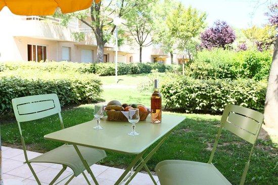 Golf de Montpellier-Massane : Le jardin d'un appartement
