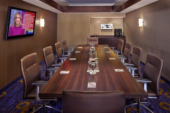 Courtyard Orlando East/UCF Area: Executive Boardroom