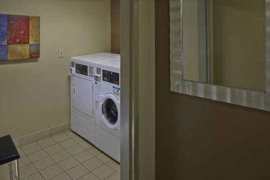 Courtyard Orlando East/UCF Area: Laundry Facilities