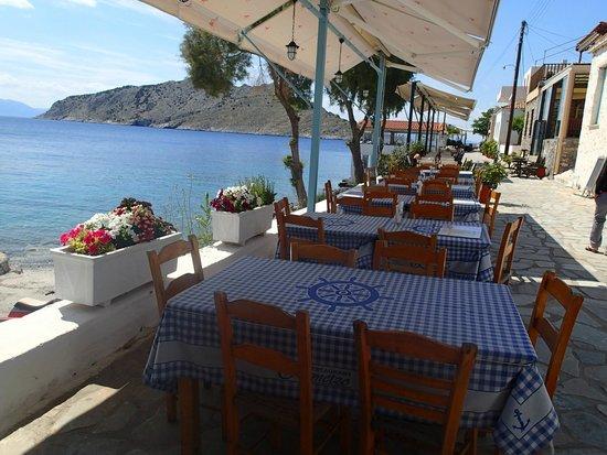 Remetzo: Outside tables vith terrific view