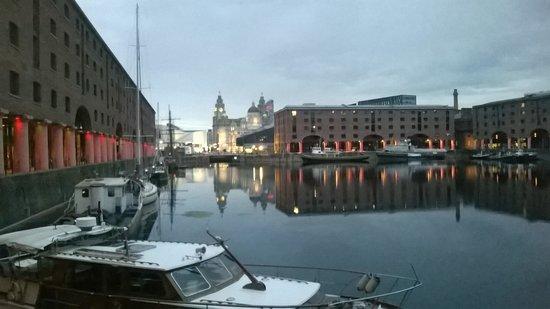 Premier Inn Liverpool City Centre (Albert Dock) : The Albert Dock, right by the hotel
