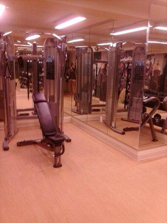 Morris Inn: gym