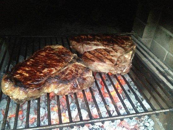 Agriturismo Piaggione di Serravalle: Chianina steak