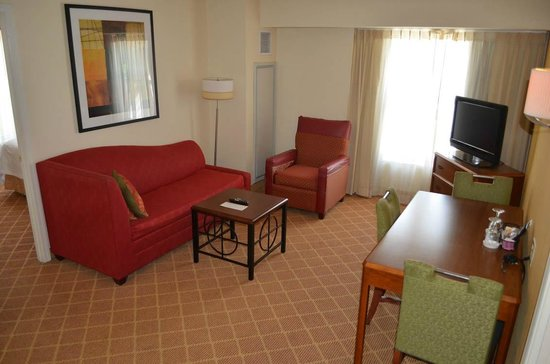 Residence Inn Alexandria Old Town/Duke Street: Living room area