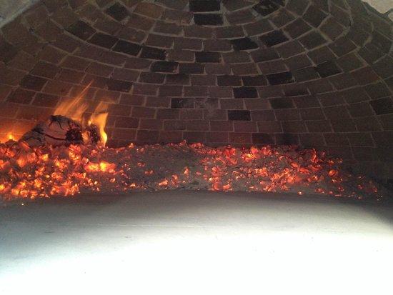 Agriturismo Piaggione di Serravalle: Pizza oven