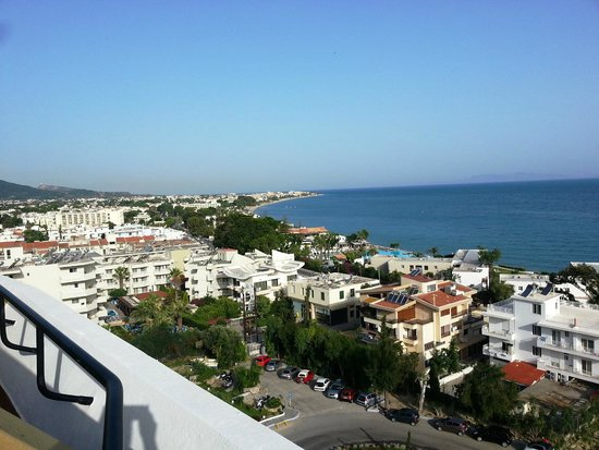 Olympic Palace Resort Hotel & Convention Center: Sea View: виз из номера на 8ом этаже