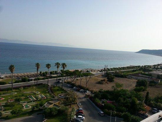 Olympic Palace Resort Hotel & Convention Center: Sea View виз из номера на 8ом этаже
