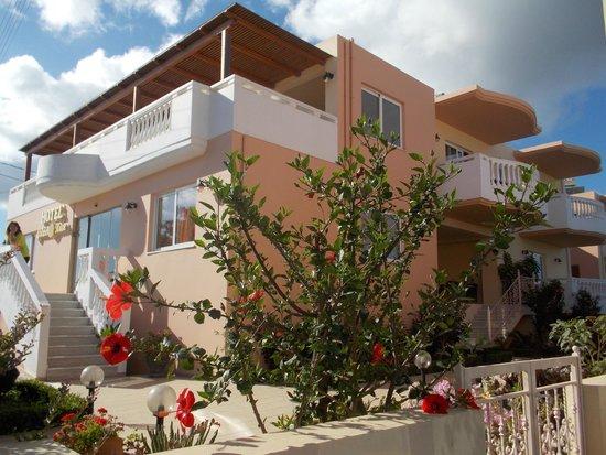 Golden Rose: L'Hotel visto dall'esterno