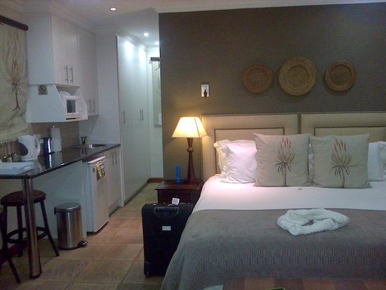 Rivonia Bed & Breakfast: Room 31