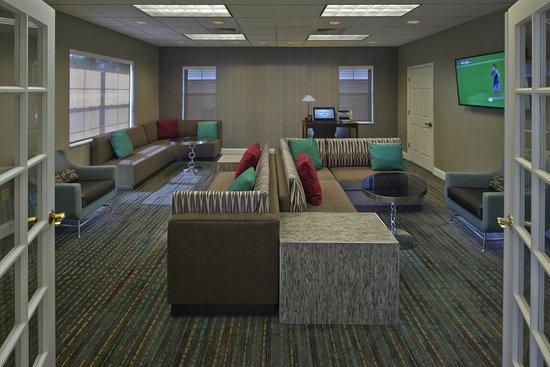 Residence Inn Orlando East/UCF Area: Business Center
