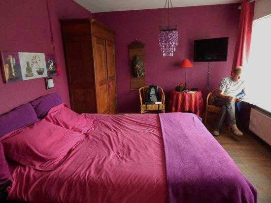 Maison Printaniere Bed & Breakfast : Lavender room