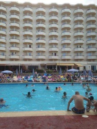 Fiesta Hotel Tanit: poolside