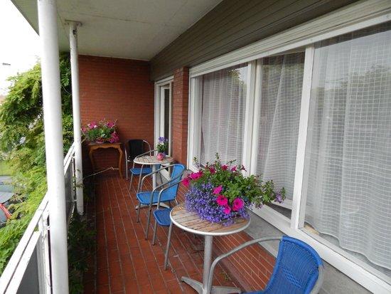 Maison Printaniere Bed & Breakfast : Balcony adjacent to room