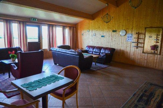 Hotel Katla: communal living area