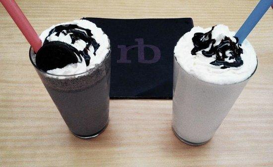 Restaurante Burbu: Batido de oreo y de chocolate blanco