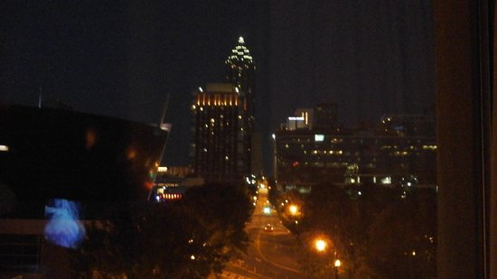 Hilton Garden Inn Atlanta Downtown: Atlanta at night what a view