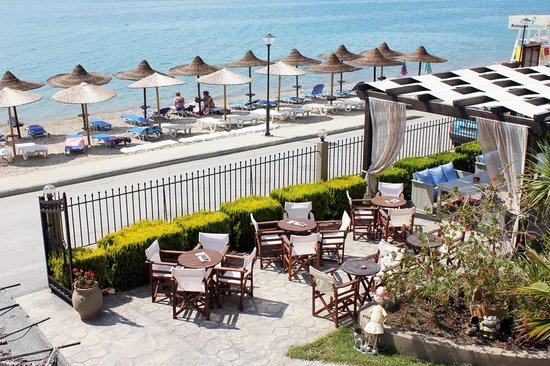 Neos Marmaras, Greece: Beach
