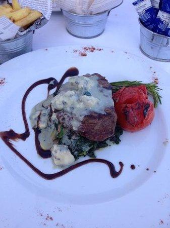 News Restaurante Bar : Steak with cheese sauce