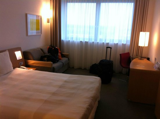 Novotel Muenchen Airport: our room