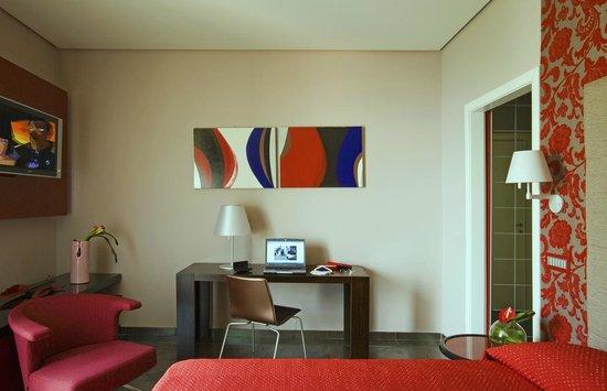 "Hotel Palumbo Palazzo Confalone: Casa Palumbo - ""Episcopio rosè"" room"