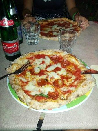 """Rossopomodoro Napoli Centro: Pizza """"la Verace"""""""