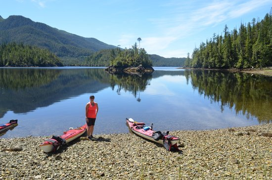 Majestic Ocean Bed and Breakfast : Clayoquot Sound Kayaking tour