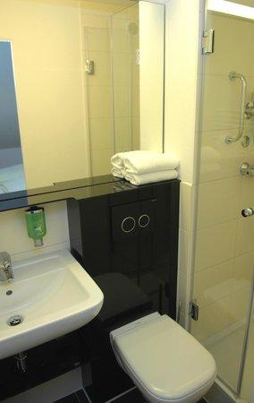 Landhotel Martinshof: Executive Badezimmer im Nebengebäude