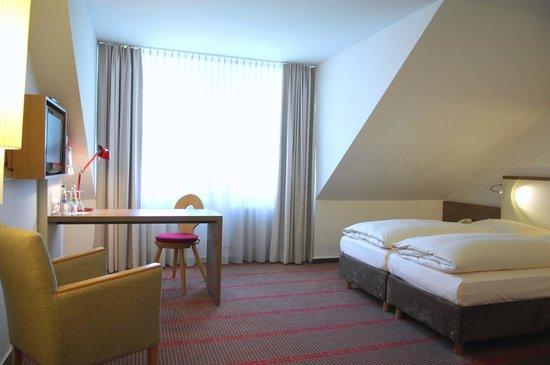 Landhotel Martinshof: Business Zimmer im Nebengebäude