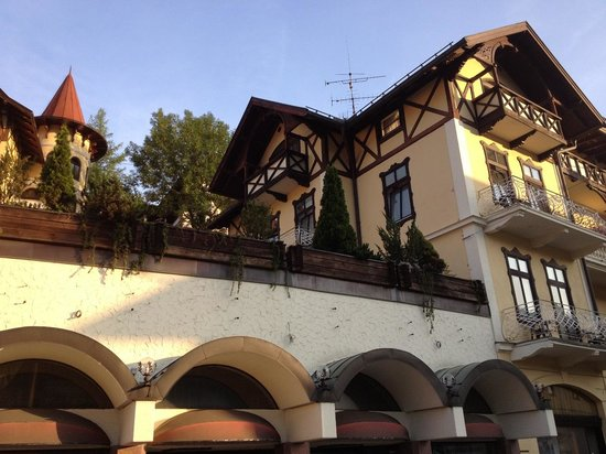 Hotel Wittelsbach: The front of the hotel from the main room