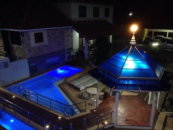 Chayadol Boutique Resort: Piscine vue du balcon