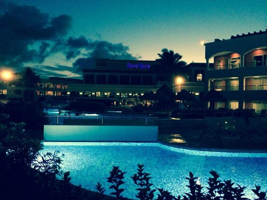 Hard Rock Hotel Riviera Maya : Hard Rock at Night