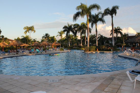 Grand Bahia Principe La Romana: Piscina Hotel