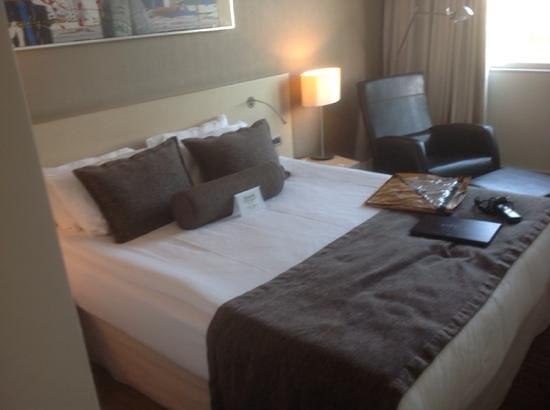 Crowne Plaza Hotel Ankara: кроватка
