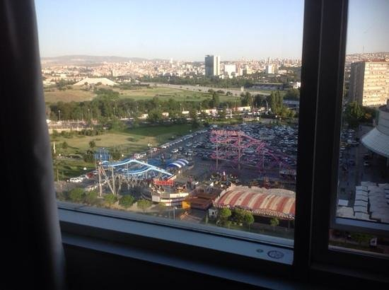 Crowne Plaza Hotel Ankara: вид из окна