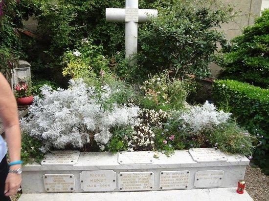 Église Sainte-Radegonde de Giverny : Monets Grave