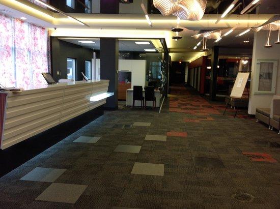 Hotel Classique: Main lobby