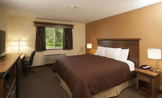 Country Inn of Two Harbors: King Accessible
