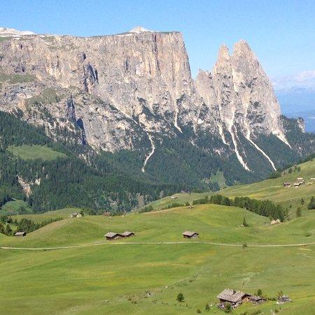 Hotel Santner Alpine Sport & Relax: visuale dall'albergo