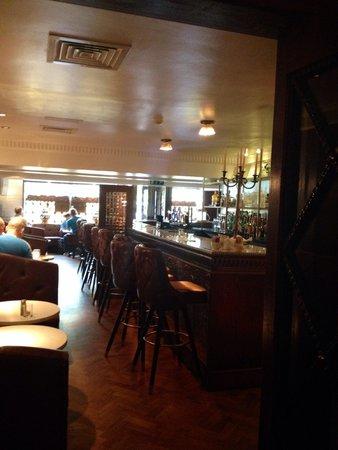 Langton House Hotel: Pub