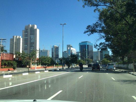 Novotel Sao Paulo Morumbi: Zona aledaña al hotel
