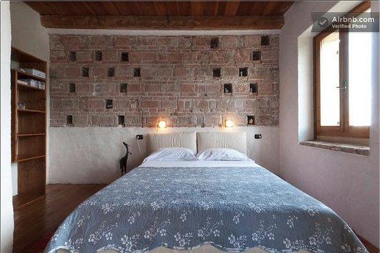 B&B La Bella: Torre colombaia: camera con bagno