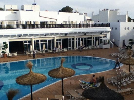 Prinsotel Alba Hotel Apartments: View from poolside room