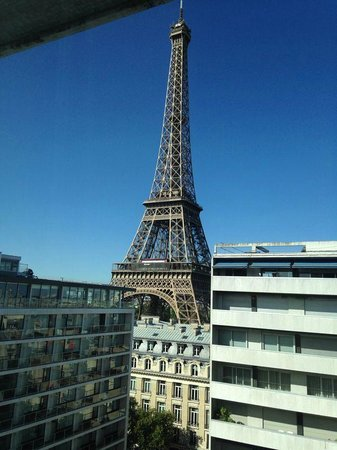 Pullman Paris Tour Eiffel : Vista do 11º andar do hotel
