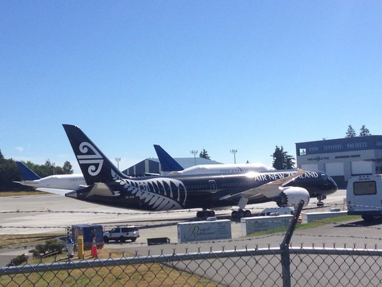 Future of Flight Aviation Center & Boeing Tour: First 787-9 delivery