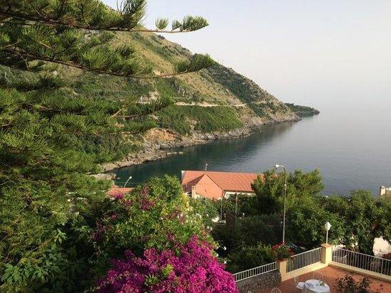 Romantic Hotel & Restaurant Villa Cheta Elite : view from bedroom window