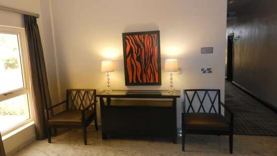 Grand Towers Hotel: First Floor Area