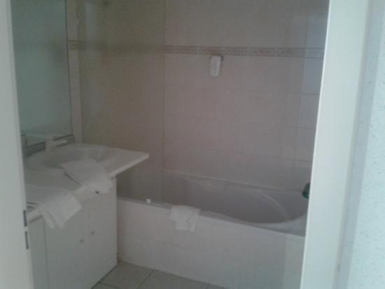 Aparthotel Brussels Midi: baño