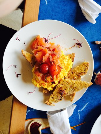 Fat Apples Cafe: The most delicious smoked salmon and scrambled eggs.