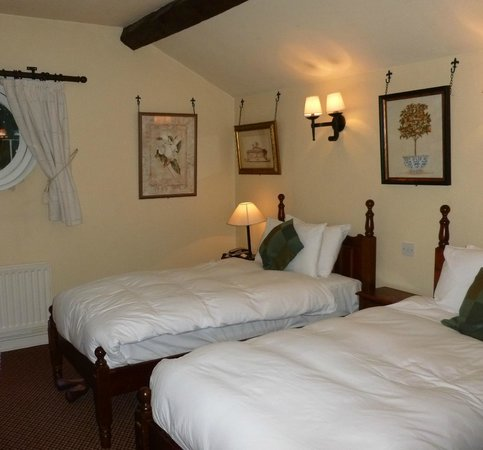 The Swan Tarporley : Coach House Bedroom