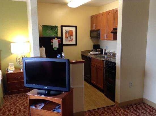 TownePlace Suites Denver Southeast: Queen suite on 3rd floor of building B
